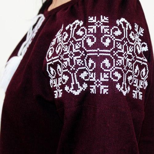Вышитая блуза Ольга (бордовый лен)