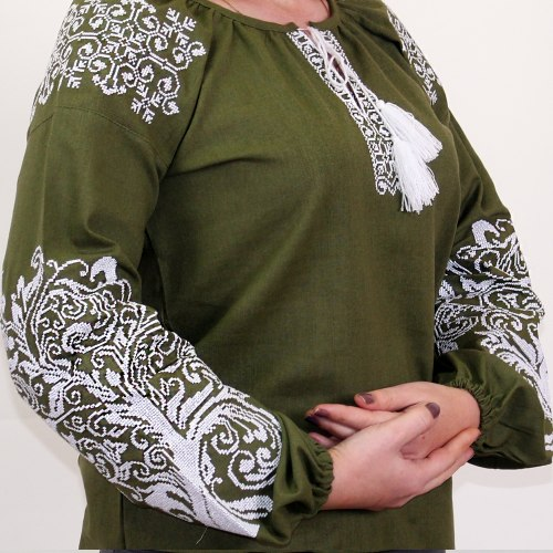 Вышитая блуза Ольга (зеленый лён)