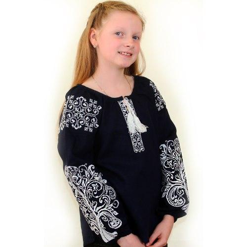 Детская вышитая блуза Ольга на тёмно-синем льне с белой вышивкой