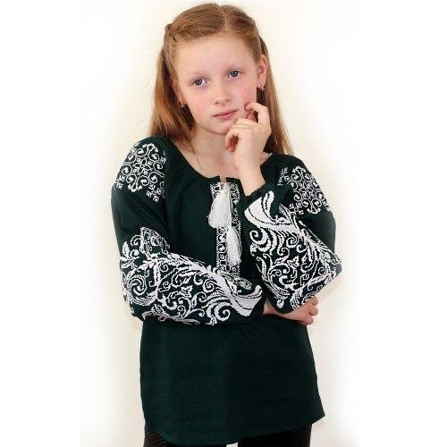 Детская вышитая блуза Ольга на зелёном льне с белой вышивкой
