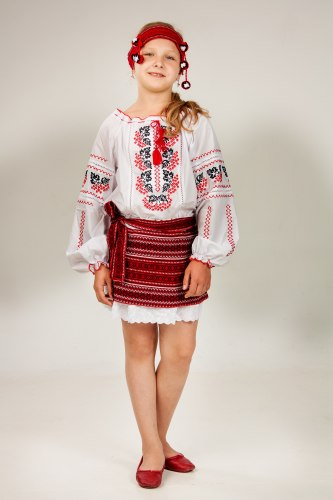 Детская вышитая блуза Рябинка
