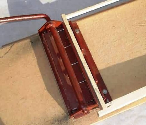 Дырокол для пчелиных рамок на 5 отверстия (черный металл)крашеный