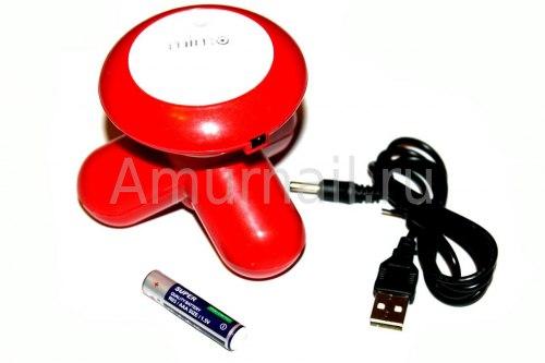 Массажер работает от батареек и USB