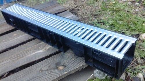 Лоток водоотводный пластиковый ЛВП DN100 H120 c оцинкованной решеткой Norma