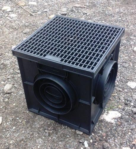 Дождеприемник пластиковый (в сборе) 300х300 с решеткой ячеистой пластиковой черной