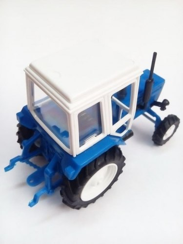 Модель трактора Belarus-82