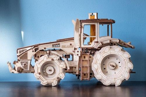 Механическая модель-конструктор трактор Беларус-4522