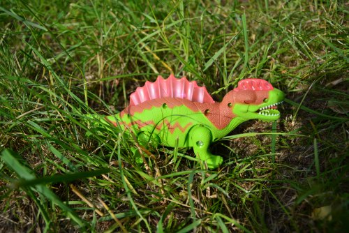 Динозавр стегозавр на батарейках
