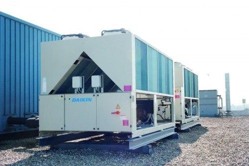 Чиллер DAIKIN EWAQ390-F-XR - 385 кВт - только холод, низкий шум