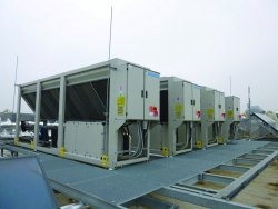 Чиллер DAIKIN EWAQ150-G-XS/XR - 149/141 кВт - только холод, низкий шум