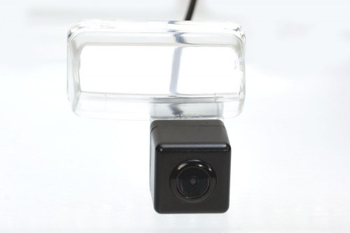 Камера заднего вида Fighter CS-HCCD