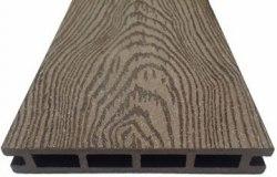 """Террасная доска из ДПК марки Holzhof с тиснением """"кольца дерева"""""""