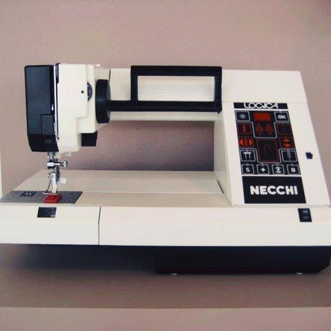 Швейная машина Necchi Logica