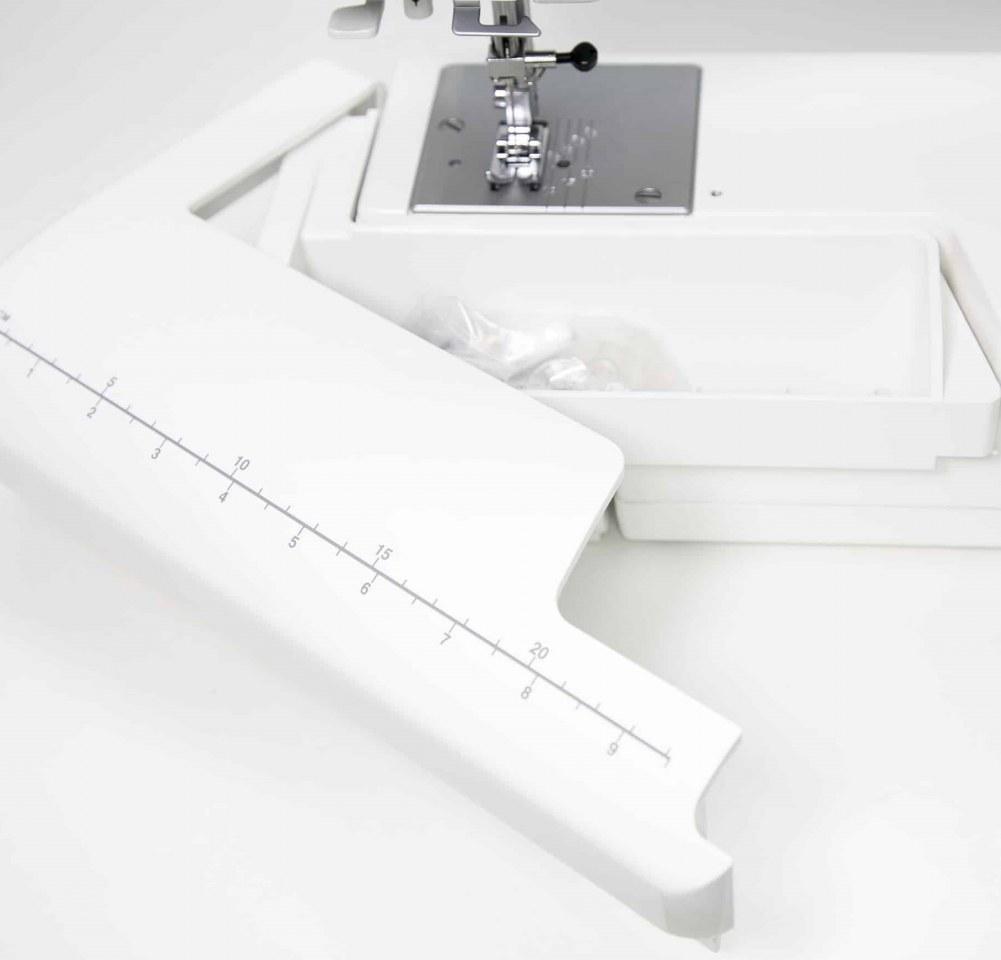 Съемная рукавная платформа и отсек для хранения аксессуаров Janome SE 7515 (Special Edition)