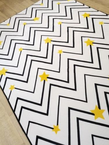 Мягкий плюшевый ковер Геометрия с золотыми звездочками