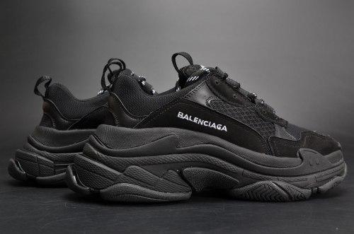 "Triple S ""Triple Black"" Balenciaga"