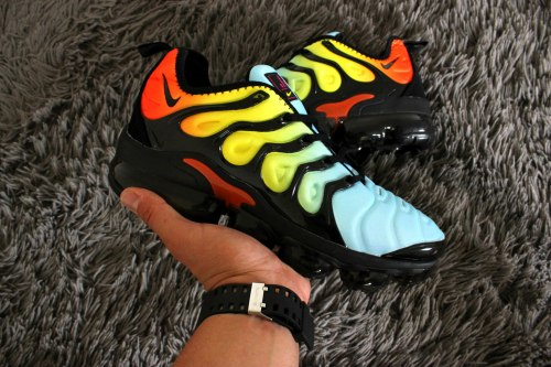 "Air Max Vapormax plus ""Rainbow"" Nike"