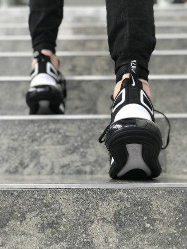 Air Max 720 Black-White Nike
