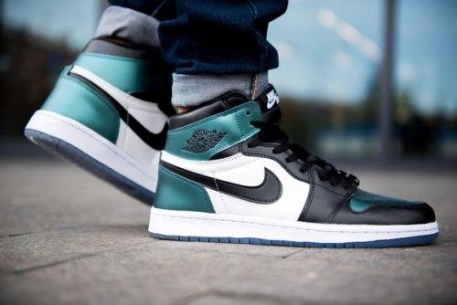Air Jordan Retro 1 High Og (2-002) Nike