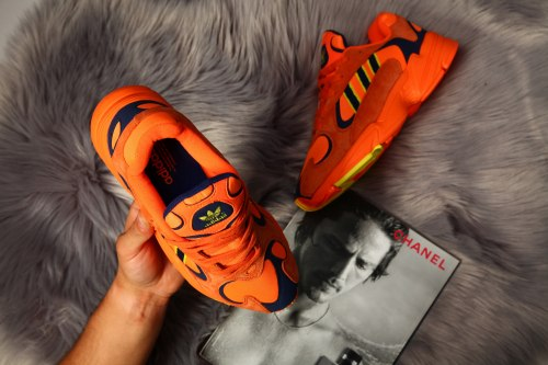 "Yeezy Yung 1 ""Orange Navy"" Adidas"