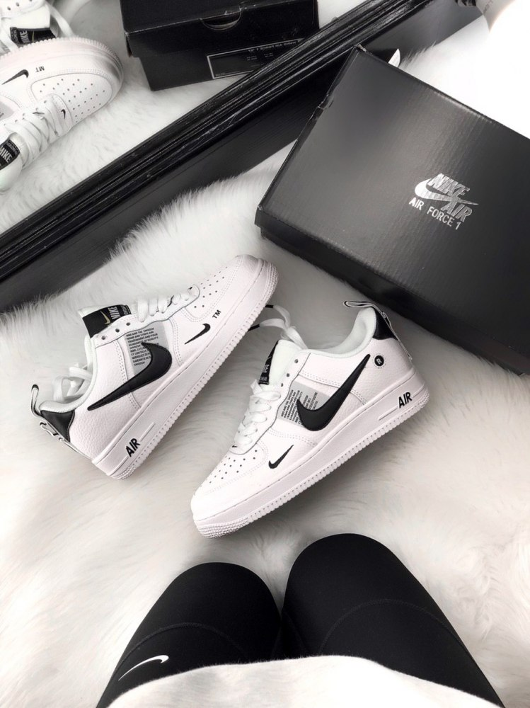cheap for discount 4fe6c 61800 Air Force 1 Low Utility White Black (GS) Nike