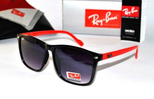Солнцезащитные очки Ray Ban Wayfarer 0004
