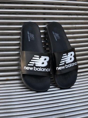 Тапочки New Balance 01029