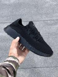 Deerupt Runner ALL BLACK Adidas
