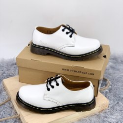Classic Boots Low White Dr. Martens