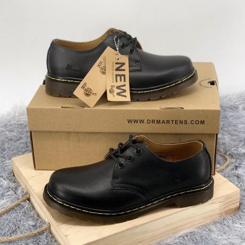 Classic Boots Low Black Dr. Martens