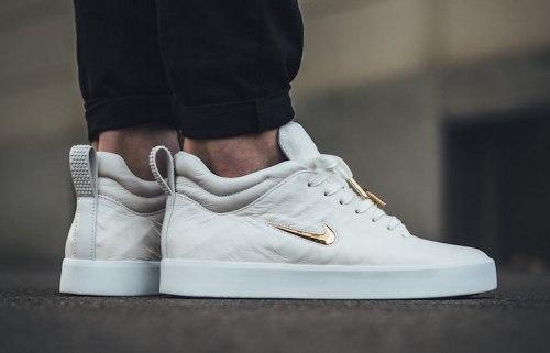 Tiempo Vetta '17 Ivory/Metallic Gold-White Nike