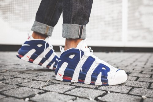 "AIR MORE UPTEMPO The ""Knicks"" Women Nike"