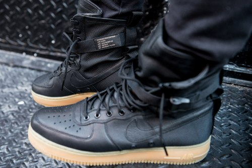 Special Field Air Force 1 Black Gum Nike