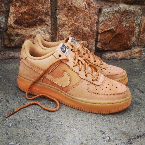 "Nike Air Force 1 Low GS Flax ""Wheat"" Nike"