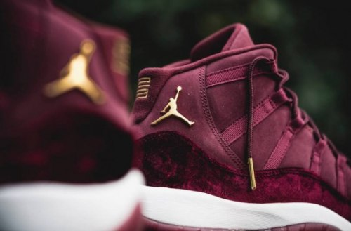 "Air Jordan 11 Retro ""Heiress Velvet"" Nike"