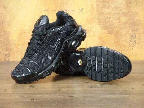 Air Max TN Triple Black Nike