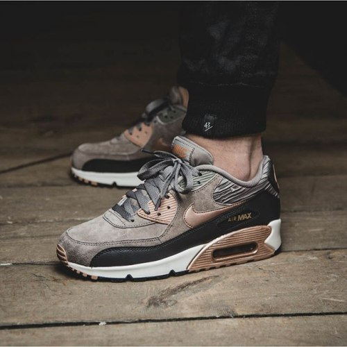 Air Max 90 leather brown-gold Nike