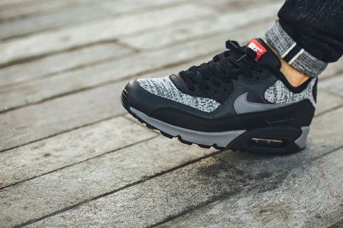 Air Max 90 Essential - Black/Cool Grey-Anthracite-University Red 3 Nike