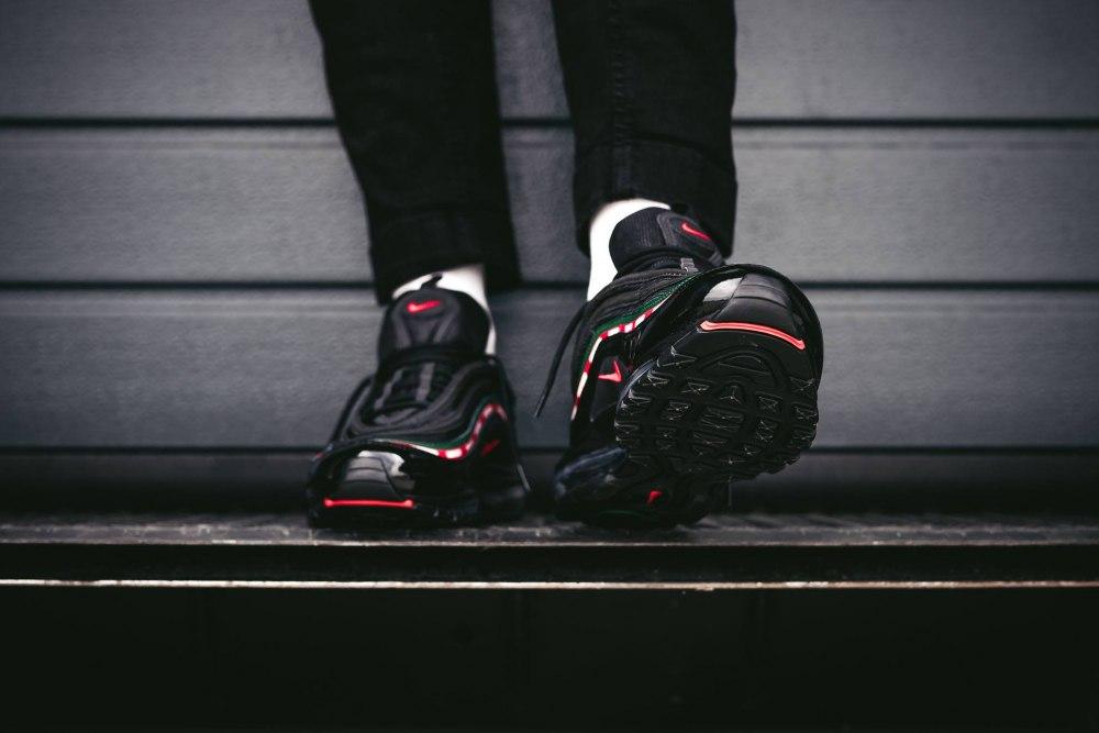 16898f92f2e ᐉ Купить кроссовки Undefeated x Nike Air Max 97 Black Nike – с ...
