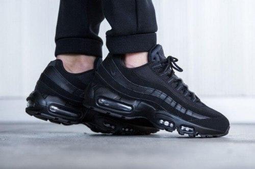Air Max 95 Triple Black Nike