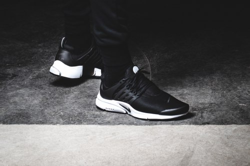 Air Presto Essential Black/White Nike