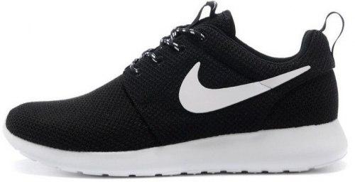 Roshe Run Black/White Nike