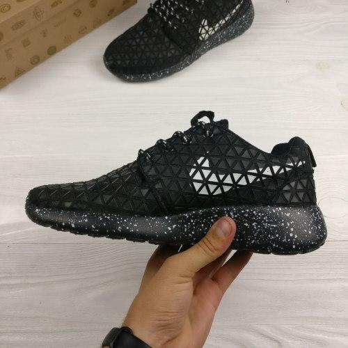 "Roshe Run Metric ""black"" Nike"