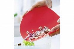 Разделочная доска гибкая в малиновом цвете (d=29 см) Tupperware