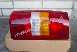Задний фонарь левый на Peugeot Expert (1996-2006)