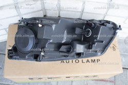 Фара передняя правая на Volkswagen Caddy (2011-2015)