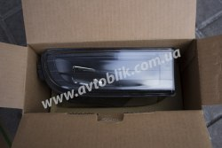 Противотуманная фара правая на BMW 7 E38 черная