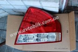 Задний фонарь правый на Kia Cerato (2006-2009)