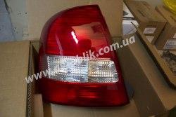 Задний фонарь правый на Mazda 323 (1998-2003) седан