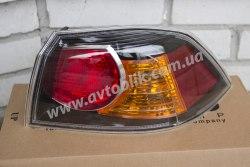 Задний фонарь левый на Mitsubishi Lancer 10 (2007-2015) красно-черный